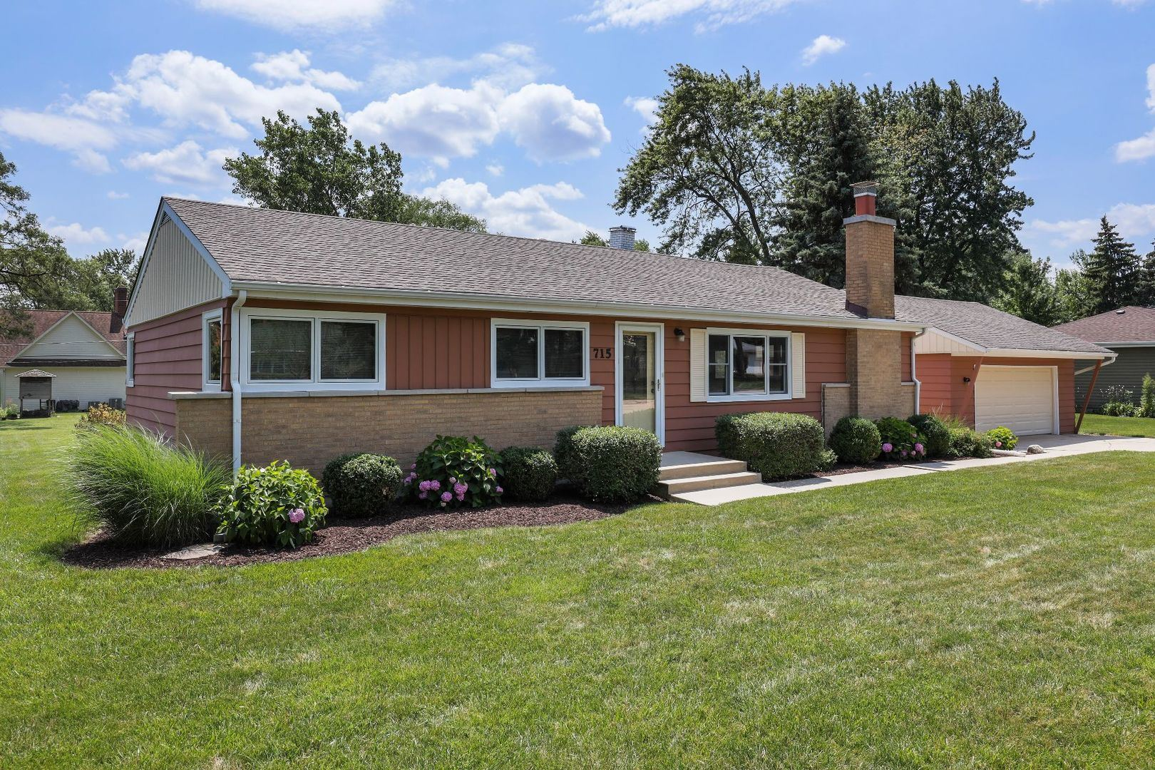 715 67TH Place, Willowbrook, IL 60527 - #: 11046527