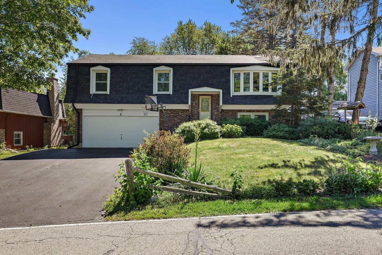 6 Indian Trail, Lake in the Hills, IL 60156 - #: 11172534