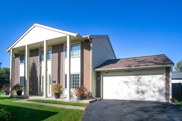 624 Lakeview Court, Roselle, IL 60172 - #: 10556536