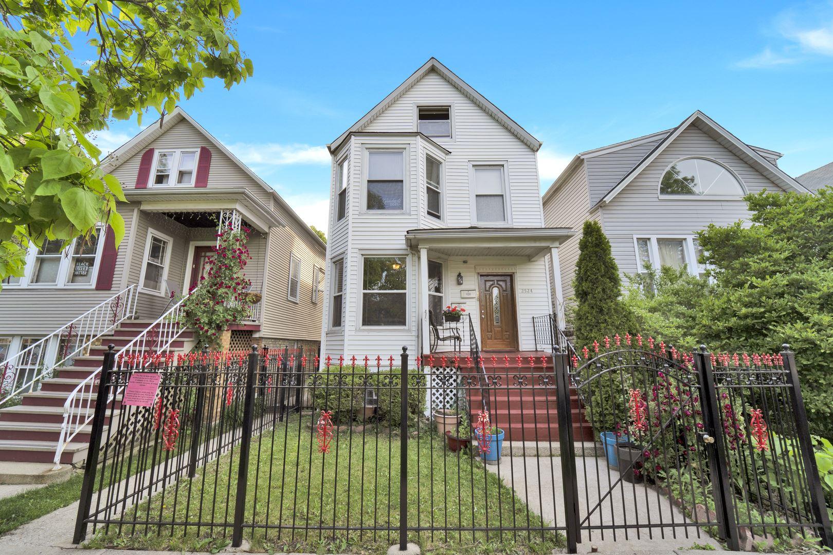2524 N Ridgeway Avenue, Chicago, IL 60647 - #: 11113539