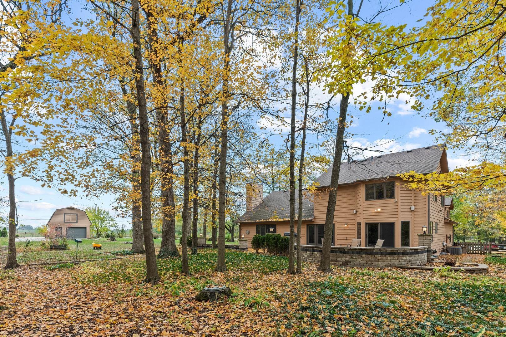 Photo of 84 Crestview Drive, Oswego, IL 60543 (MLS # 10910542)