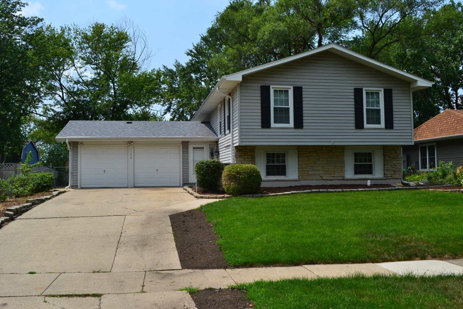 Photo of 173 Mayfield Drive, Bolingbrook, IL 60440 (MLS # 11161543)