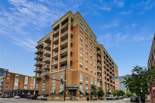 Photo of 950 W Monroe Street #403, Chicago, IL 60607 (MLS # 10855544)