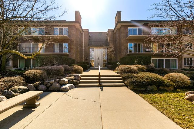 6 Oak Brook Club Drive UNIT K203, Oak Brook, IL 60523 - #: 10319545