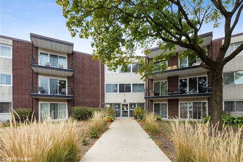 Photo of 2800 Maple Avenue #6A, Downers Grove, IL 60515 (MLS # 10912546)