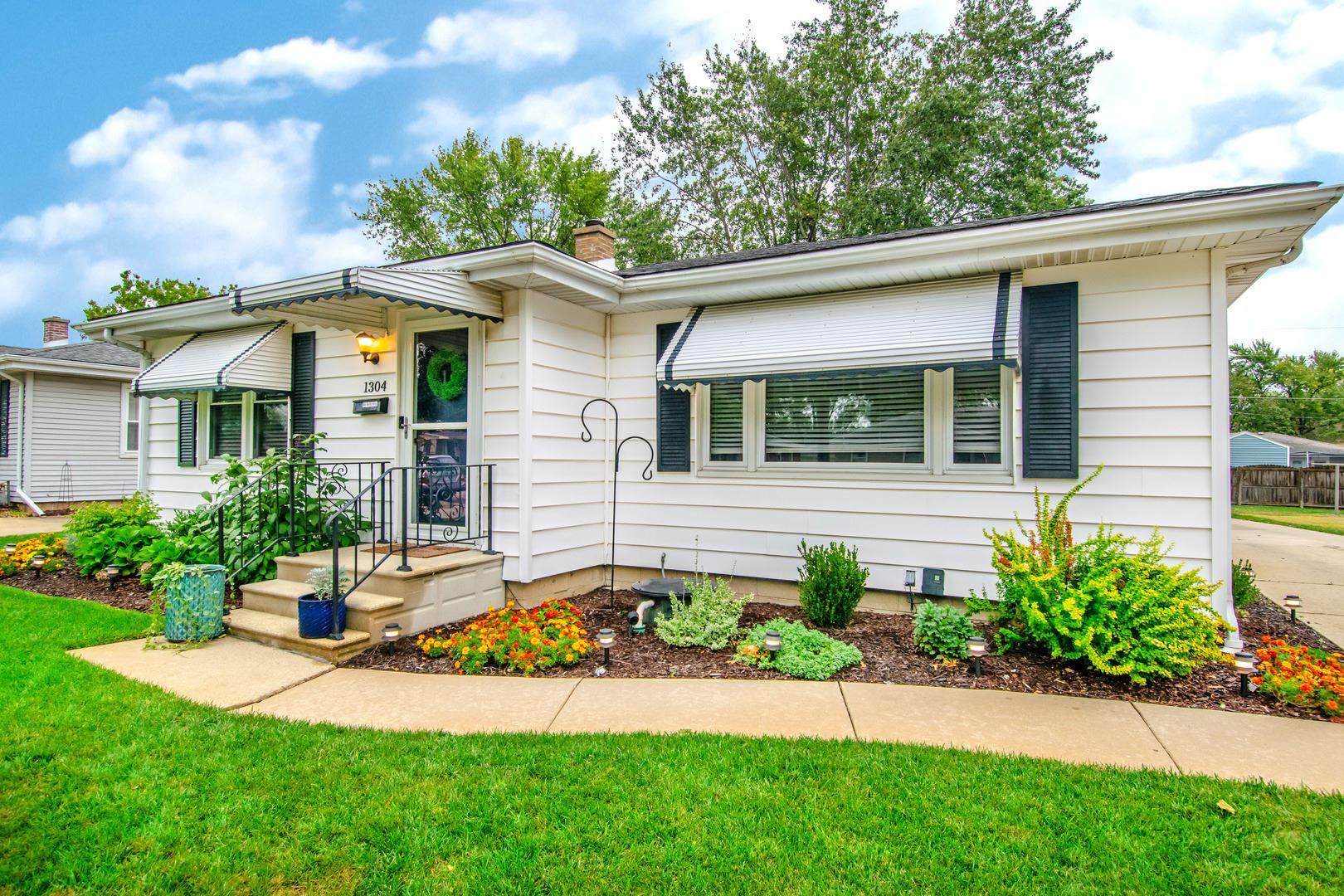 Photo of 1304 N MAY Street, Joliet, IL 60435 (MLS # 10861549)