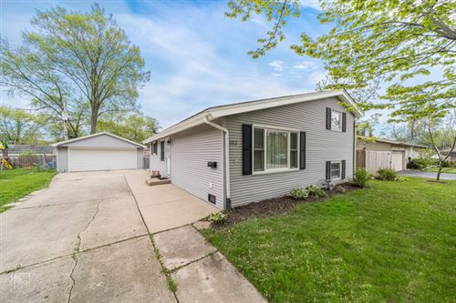 Photo of 302 Delaware Street, Carpentersville, IL 60110 (MLS # 10723550)