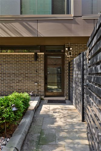 Photo of 2748 N Lakewood Avenue #3, Chicago, IL 60614 (MLS # 11230551)