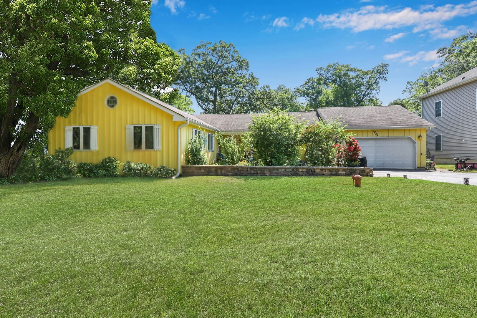 225 MEADOW Lane, Cary, IL 60013 - #: 11102554