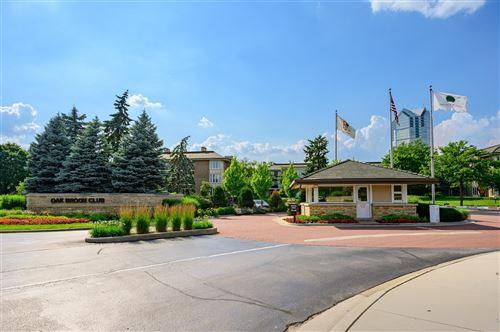 Photo of 4 Oak Brook Club Drive #F308, Oak Brook, IL 60523 (MLS # 10773555)