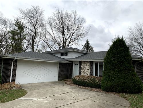 Photo of 9S380 Rosehill Court, Downers Grove, IL 60516 (MLS # 10941557)