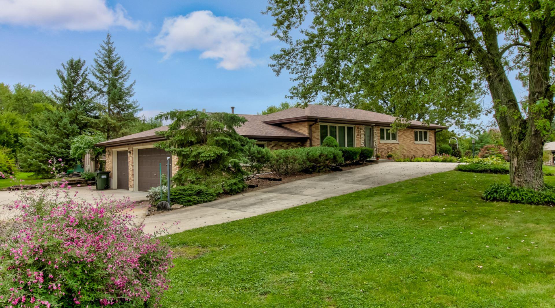 636 Greenbriar Lane, Schaumburg, IL 60193 - #: 11248557