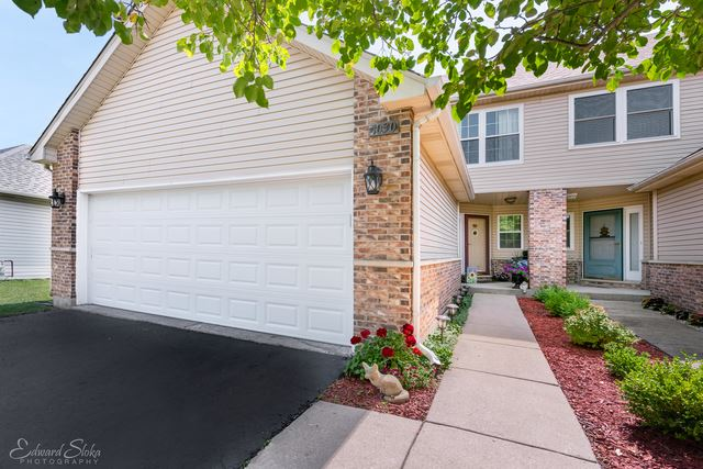 1030 Viewpoint Drive, Lake In The Hills, IL 60156 - #: 10450558