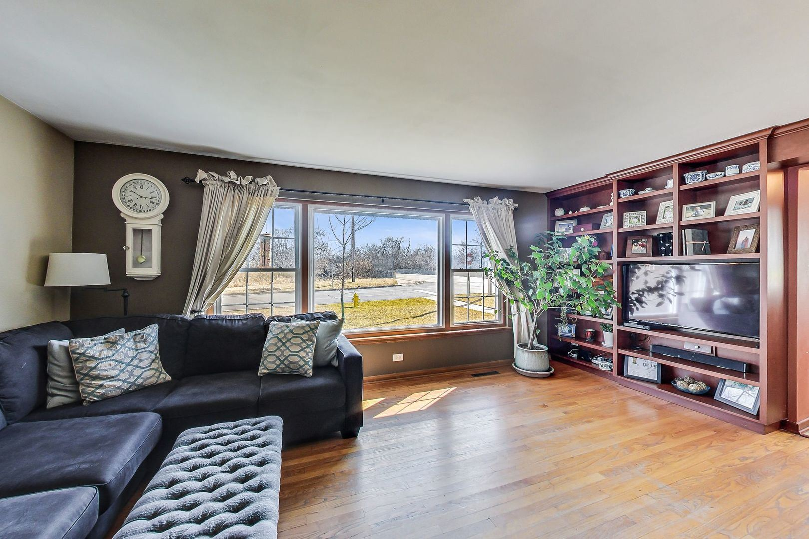 3044 Forest Avenue, Brookfield, IL 60513 - #: 10652558