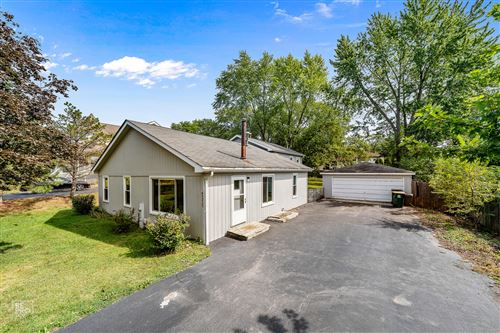 Photo of 8935 Palisades Road, Burr Ridge, IL 60527 (MLS # 10853565)