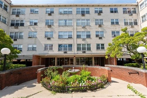 Photo of 6040 N Troy Street #305, Chicago, IL 60659 (MLS # 10881565)