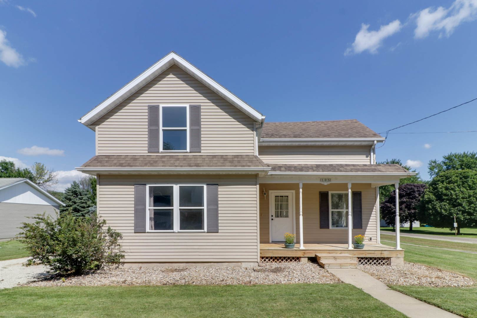 105 S Division Street, Stanford, IL 61774 - #: 10810565