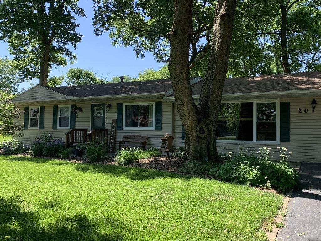 Photo of 207 Oakwood Drive, Shorewood, IL 60404 (MLS # 11063565)