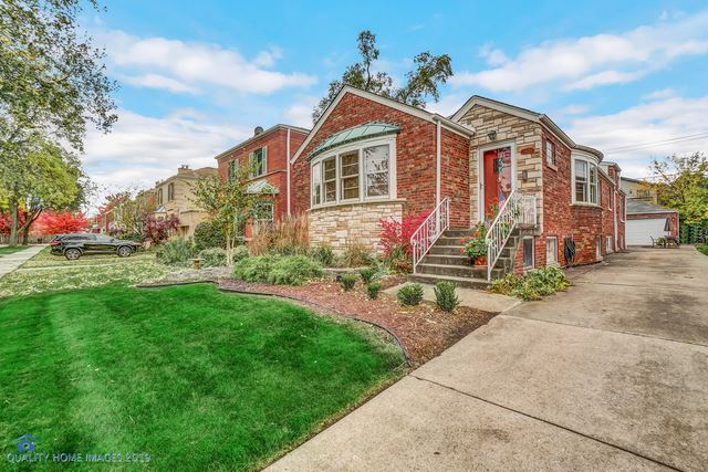 Photo for 9420 S Bell Avenue, Chicago, IL 60643 (MLS # 10585568)