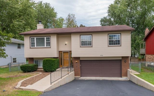 1106 Spruce Street, Lake In The Hills, IL 60156 - #: 10530570