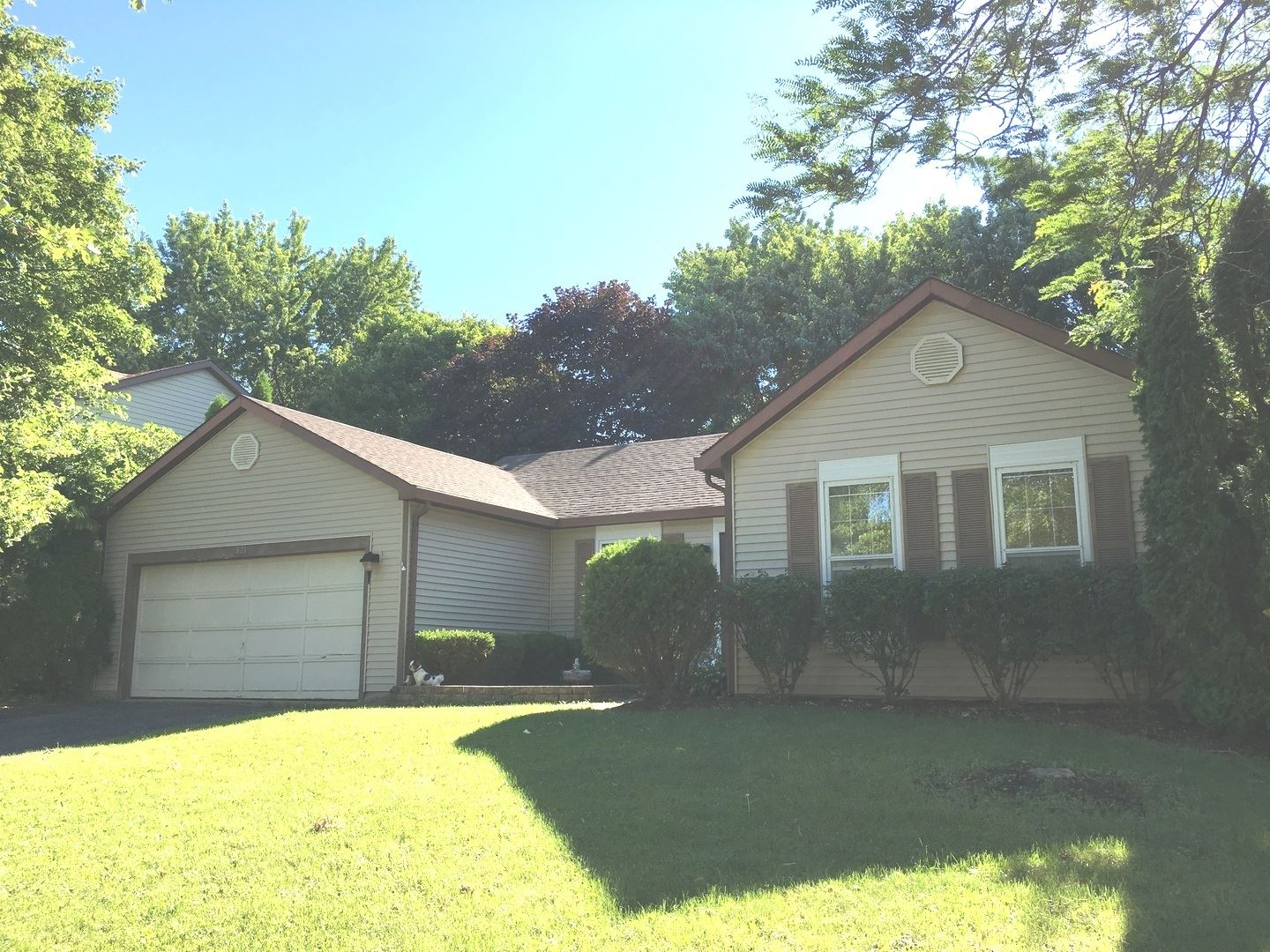821 BRENTWOOD Drive, Cary, IL 60013 - #: 11036572