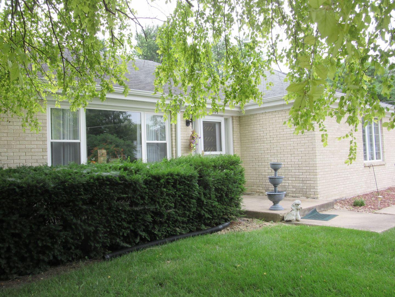 Photo of 2301 Taylor Street, Joliet, IL 60435 (MLS # 11161575)