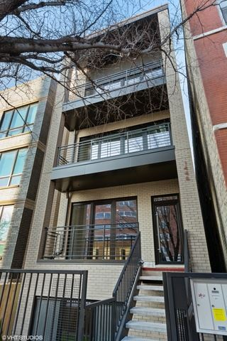 Photo of 1446 W Chestnut Street #1, Chicago, IL 60642 (MLS # 10648576)