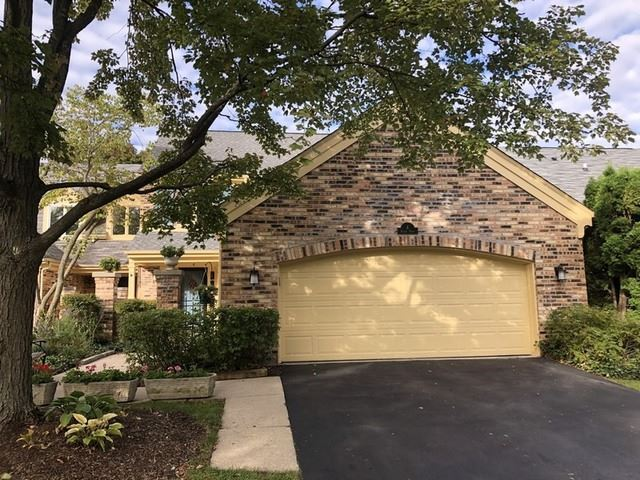 4 THE COURT OF ISLAND, Northbrook, IL 60062 - #: 10674576