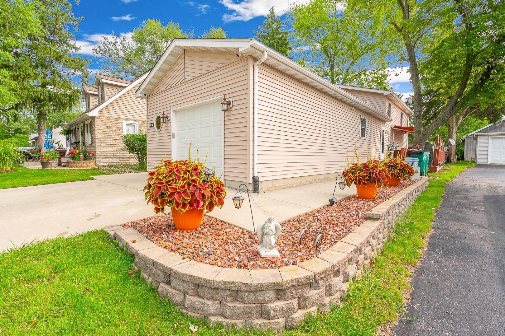 Photo of 1508 Burry Street, Joliet, IL 60435 (MLS # 10860577)