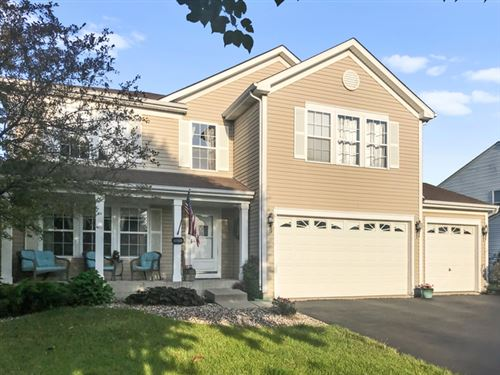 Photo of 1011 Butterfield Circle East, Shorewood, IL 60404 (MLS # 10474578)