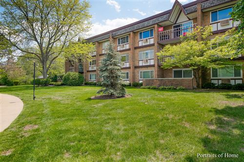 Photo of 320 Claymoor Road #3B, Hinsdale, IL 60521 (MLS # 11089578)