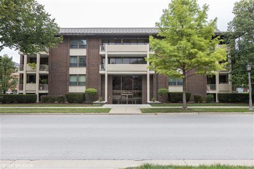Photo of 111 E Cossitt Avenue #104, La Grange, IL 60525 (MLS # 10930584)