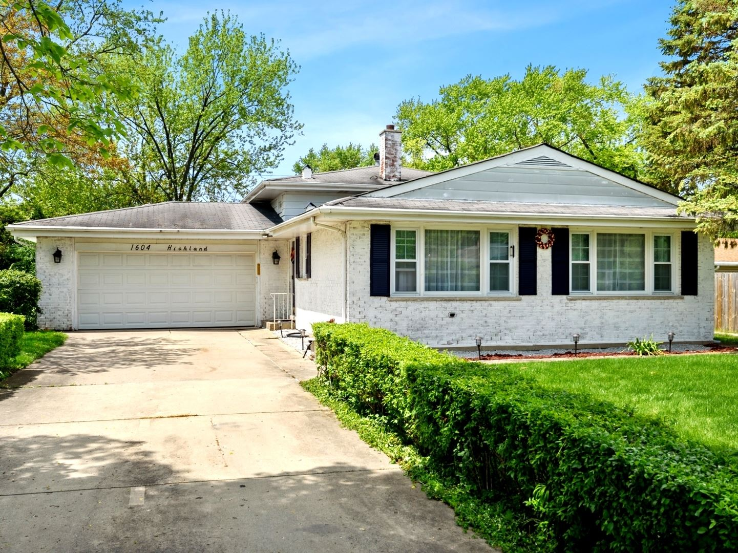 1604 HIGHLAND Avenue, Northbrook, IL 60062 - #: 10722584