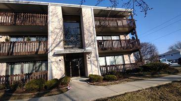 Photo of 7550 Briartree Lane #414, Burbank, IL 60459 (MLS # 11012587)