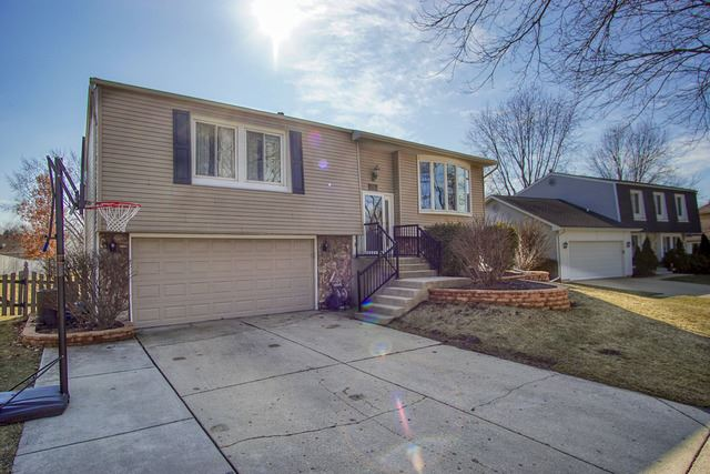 915 Longford Drive, Roselle, IL 60172 - #: 10664588