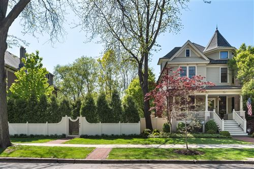 Photo of 5452 N Lakewood Avenue, Chicago, IL 60640 (MLS # 11114589)