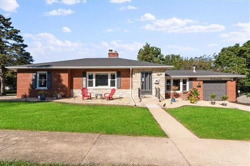 Photo of 524 Campbell Avenue, Wheaton, IL 60187 (MLS # 11220591)