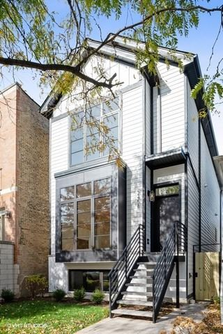 Photo for 5134 N Claremont Avenue, Chicago, IL 60625 (MLS # 11015593)