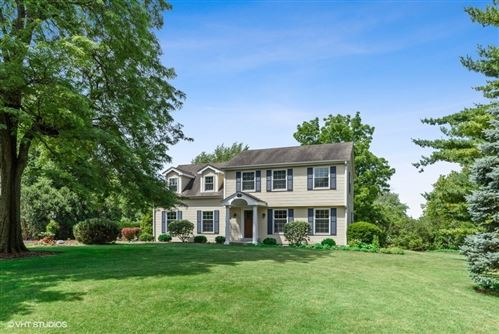 Photo of 160 Wyngate Drive, Barrington, IL 60010 (MLS # 10770594)