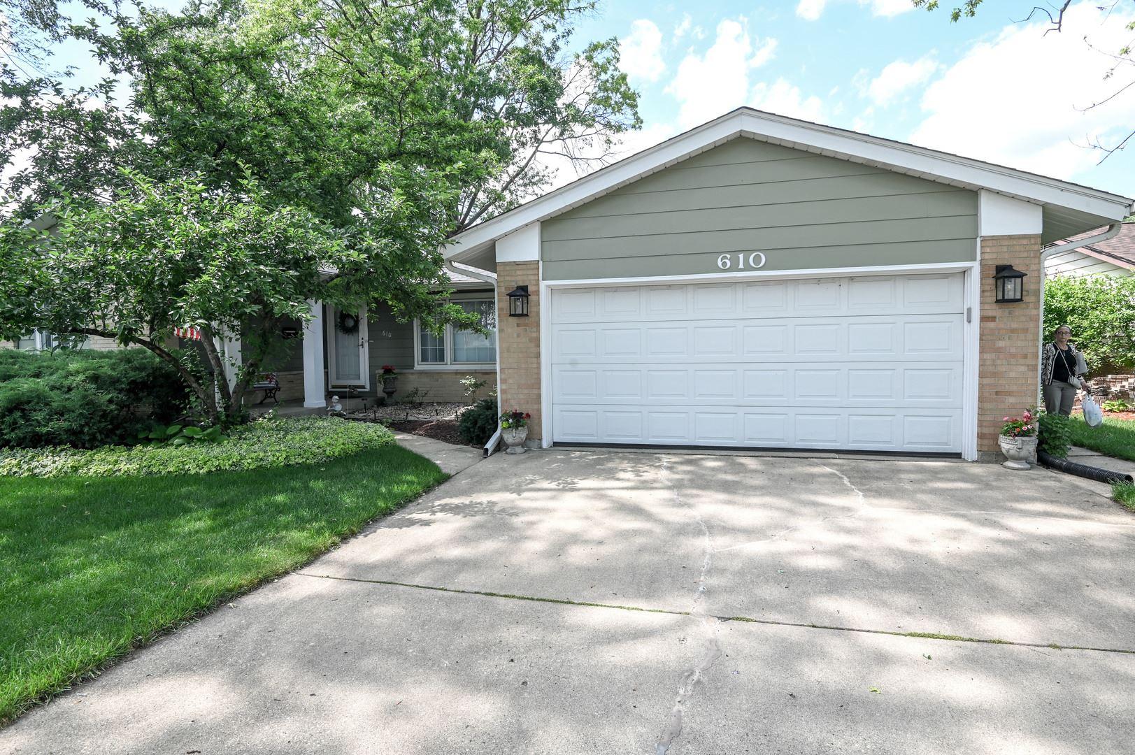 610 Walnut Lane, Elk Grove Village, IL 60007 - #: 11135595