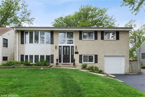 Photo of 832 S Linden Avenue, Elmhurst, IL 60126 (MLS # 10737598)