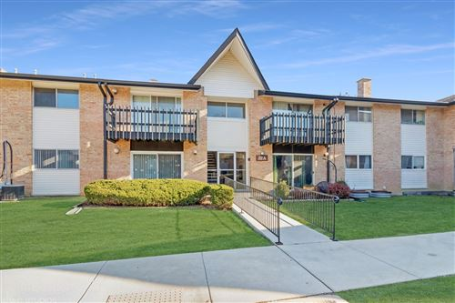 Photo of 22A Kingery Quarter #103, Willowbrook, IL 60527 (MLS # 10946601)
