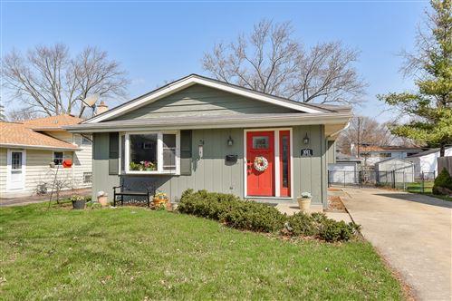 Photo of 1011 Dawes Avenue, Wheaton, IL 60189 (MLS # 11046601)