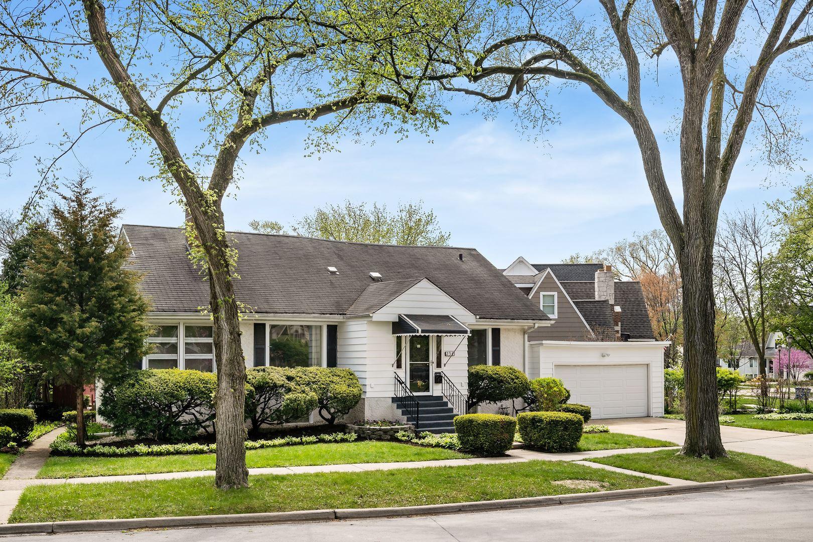 256 E Niagara Avenue, Elmhurst, IL 60126 - #: 11205601