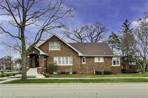 Photo of 298 W Claremont Street, Elmhurst, IL 60126 (MLS # 11005605)