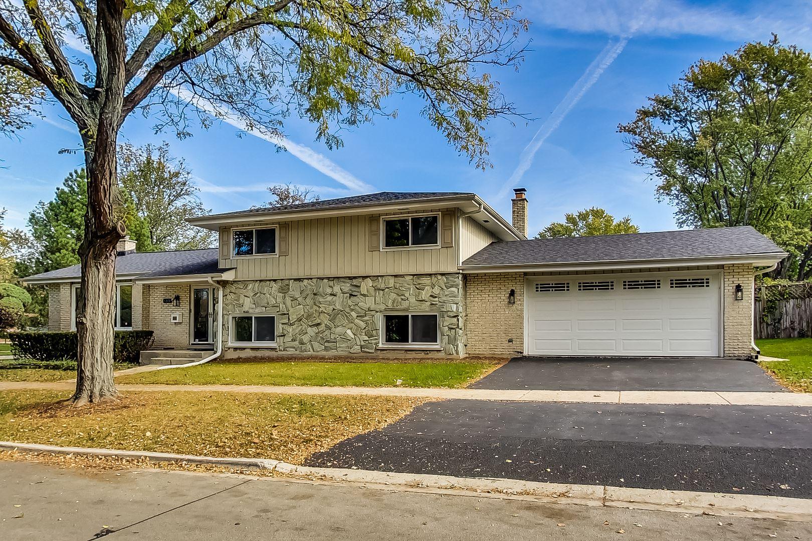 689 S poplar Avenue, Elmhurst, IL 60126 - #: 11203607