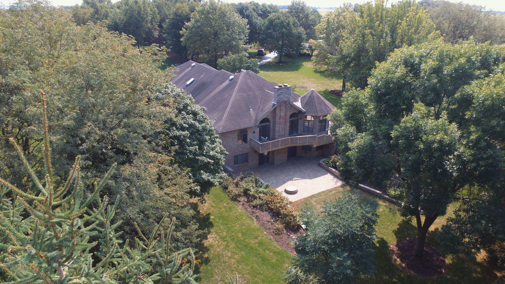 Photo of 941 Plainfield Road, Oswego, IL 60543 (MLS # 10860609)