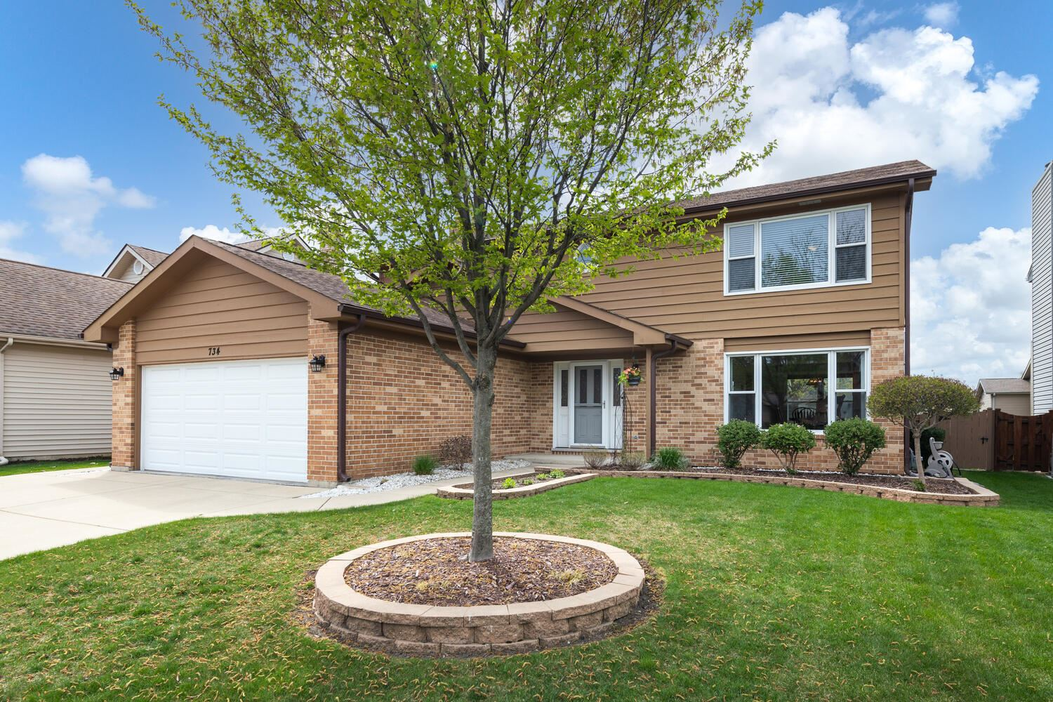 734 Eastchester Road, Wheeling, IL 60090 - #: 11063609