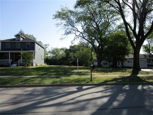 Photo of 1069 S Fairfield Avenue, Lombard, IL 60148 (MLS # 11121615)