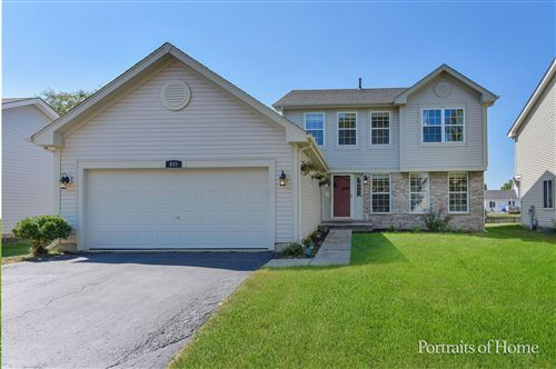 Photo of 935 Lowell Lane, Naperville, IL 60540 (MLS # 11209616)